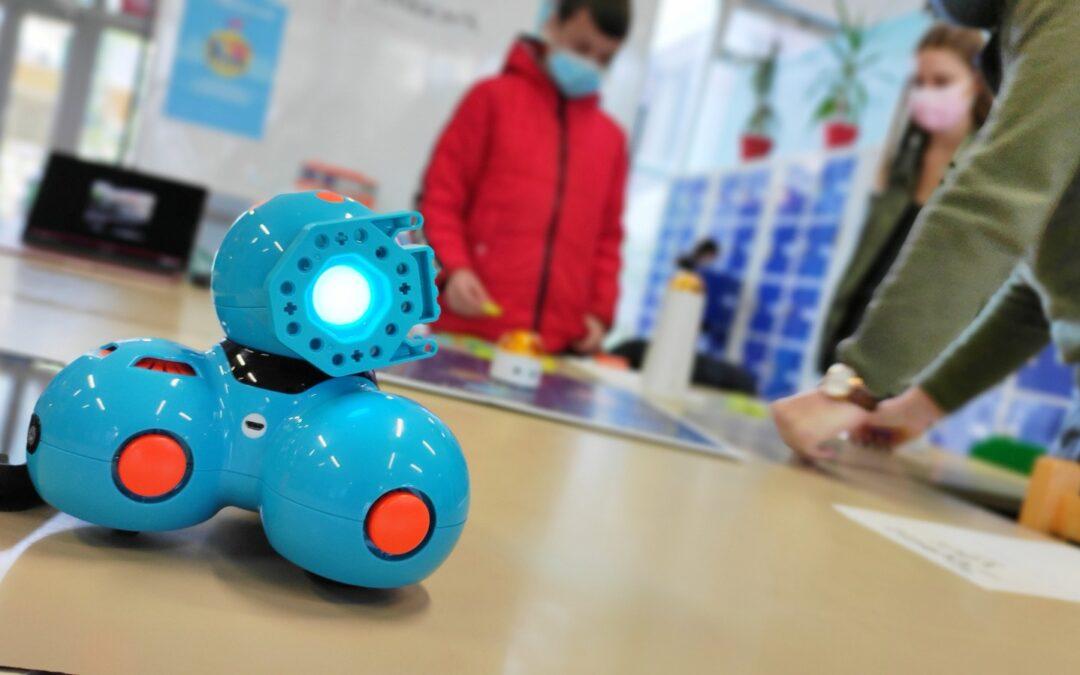 Les Ateliers Amasco et leurs robots, à la rencontre des collégiens !